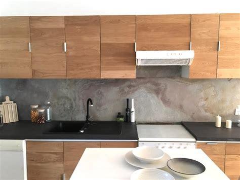 feuille de cuisine crédence pour habiller de façon moderne les murs de