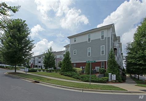 the crest at galleria charlotte nc apartment finder