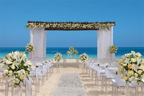 Secrets Resorts & Spas: Romantic Weddings, Unlimited Luxury® Getaways ? Sponsor Highlight