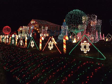casas decoradas  luces en navidad entrechiquitines