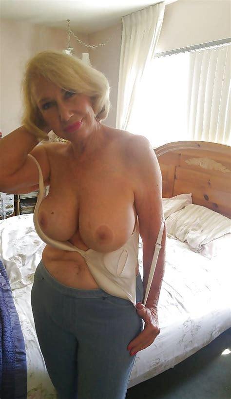 Elegant Nude Gilf Hot Porn
