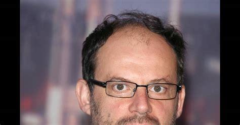 L'acteur français Denis Podalydès interprète Nicolas ...