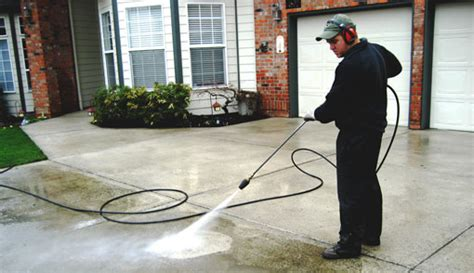 How Clean Concrete Stains Image