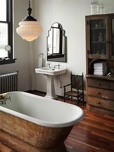 40 photos d39interieur de la baignoire ancienne With jolie salle de bain moderne