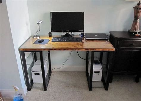 Small Corner Desk Ideas by 17 Best Images About Diy Computer Desk Ideas On