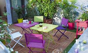 Table Et Chaise Bistrot : chaises et table jardin pliante couleur violet et vert ~ Teatrodelosmanantiales.com Idées de Décoration