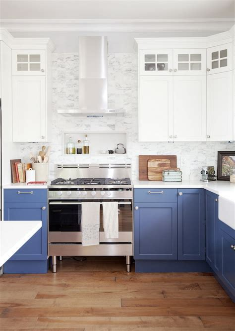 Stylish Two Tone Kitchen Cabinets for Your Inspiration