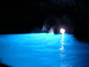 洞窟:カプリ島の青の洞窟