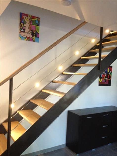 escalier int 233 rieur en acier brut verni et marche bois aux nuances des acies