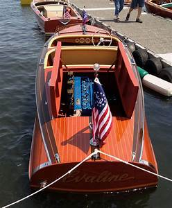 1940 Chris Craft Deluxe Runabout Barrelback 17 Foot