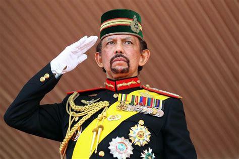 sultan hassanal el multimillonario y excéntrico sultan hassanal bolkiah