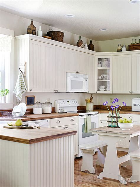 Decorating Ideas For Kitchen Cupboards by 10 Stylish Ideas For Decorating Above Kitchen Cabinets