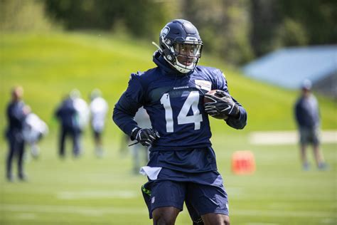 observations  seahawks rookie minicamp dk metcalf