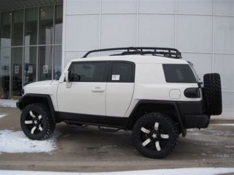 purchase   fj cruiser  custom white lifted