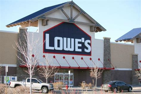 lowes  closing   orchard supply hardware stores