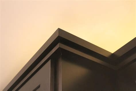 modern crown molding for kitchen cabinets the crown molding on the cabinets is a 3 piece detail that