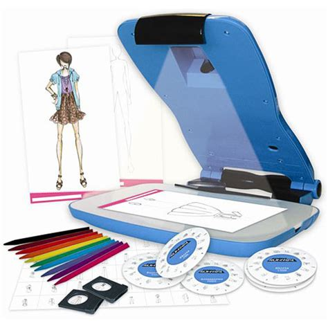 Project Runway Fashion Design Projector Kit 78625