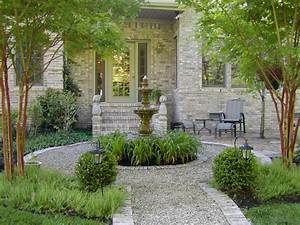 Country Garden Design : looks very french with the fountain pea gravel boxwood and gray tones garden pinterest ~ Sanjose-hotels-ca.com Haus und Dekorationen