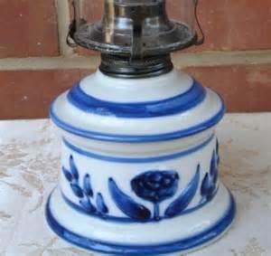 vintage lamplight farms blue delft oil l with chimney