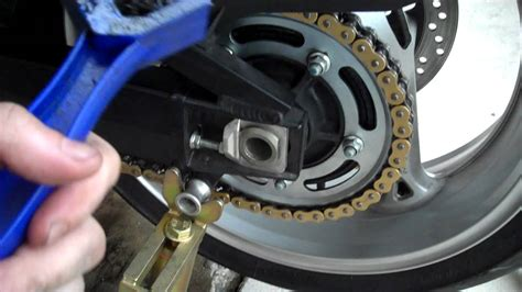 How To Properly Clean & Lube Your Motorcycle Chain