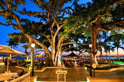 The Moana Surfrider Hotel Of Waikiki, Hawaii—elegance For