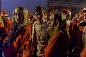 Oxford University students dress as Santa Claus for ...