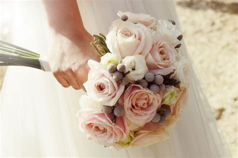 Why Do Brides Throw The Bouquet At Weddings? Flowers
