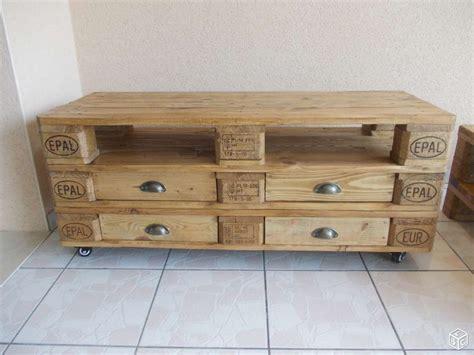 meuble palette bois meuble tv et table basse en palette bricolage et diy meuble tv table basse et