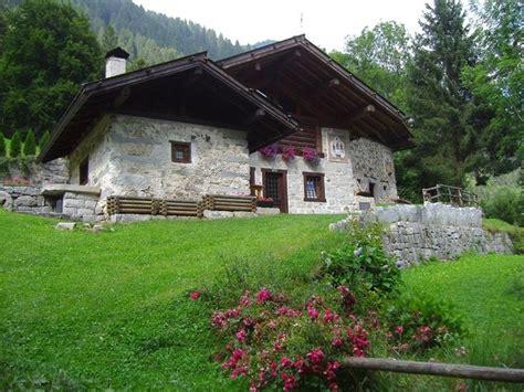 costi per costruire una casa costi di gestione della casa in montagna costruire una