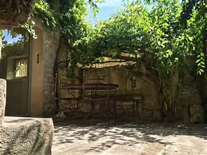 Maison De Village Avec Cour Int U00e9rieure Jardin Et Vue