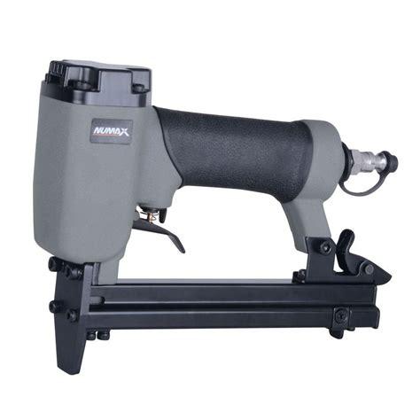 Staple Gun For Furniture Upholstery by Pneumatic Upholstery Stapler 22 3 8 In Crown