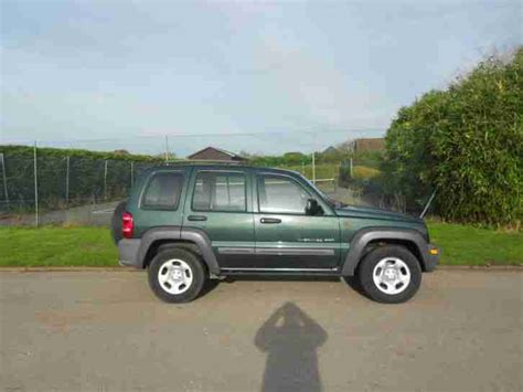 jeep cherokee sport 2002 jeep 2002 cherokee sport green 2 5 car for sale