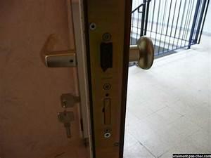 changer une serrure de porte d entree newsindoco With changer serrure porte d entree