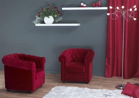 chambre bordeau un canapé bordeaux et un salon à décorer toutes vos idées