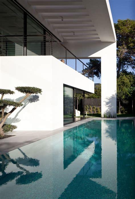 contemporary bauhaus style home  haifa
