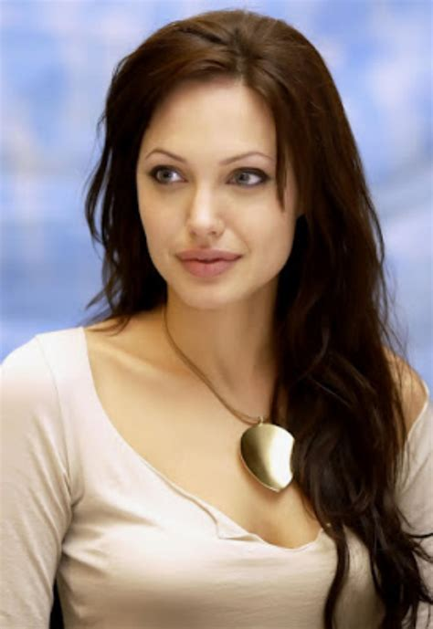 Actress Angelina jolie Hot HD Wallpapers Pictures