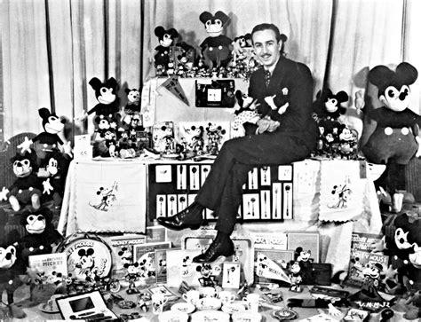 34 Revealing Secrets You Never Knew About Walt Disney