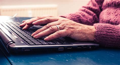tech savvy seniors introduction  computers  smart