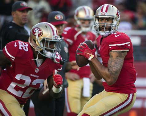 colin kaepernick pass  seattle seahawks hits san