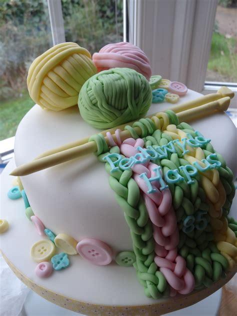 knitting cake  needle   works
