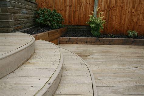 maintenance decking  oak style  slip