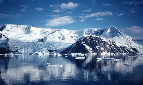 travel  holiday   part  antarctica