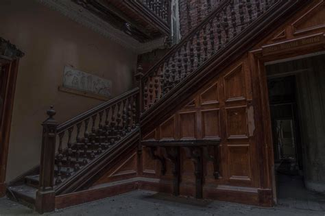 stunning  show abandoned mansion designed  famous