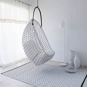 Catalogue Ampm 2017 : un fauteuil suspendu fauteuil oeuf balancelle ~ Preciouscoupons.com Idées de Décoration
