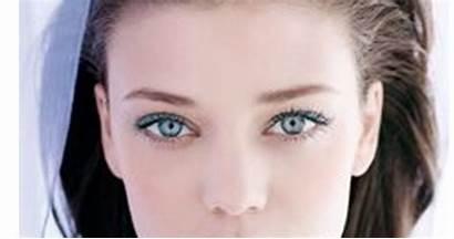 Clara Piel Sensible Makeup