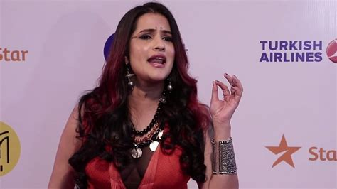 Sona Mohapatra Live Singing Ambarsariya Song At Jio Mami