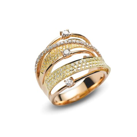solitaire emerald engagement rings in dubai