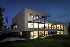 Moderne Häuser Bauen : modernes b rogeb ude offices pinterest b rogeb ude moderne h user und architektur ~ Buech-reservation.com Haus und Dekorationen