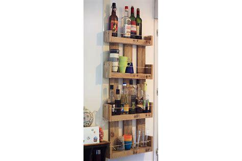 table de cuisine en palette etagères murales de cuisine en bois de palettes la vie du bois bordeaux