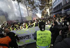 Hundreds of 'yellow vest' protesters are detained in Paris ...